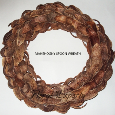 Mehegony Spoons Wreath - Christmas Wreath