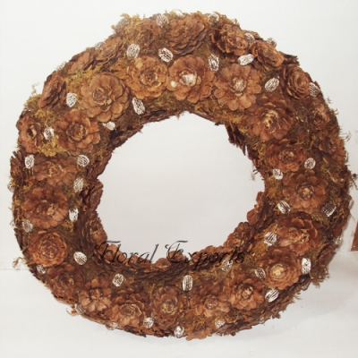 Pine Cone Half cut Wreath - Dried Wreath Manufacturer